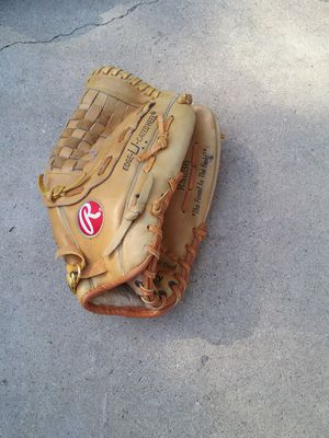 Rawlings softball glove for Sale in Industry, CA