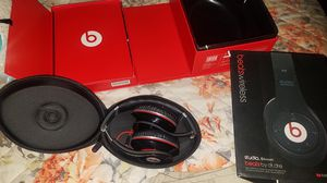 Studio Beats wireless by dre monster for Sale in San Jose, CA