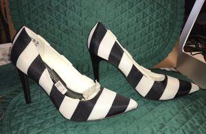 Womens SZ 7 1/2 Black & White Christian Siriano Stiletto Heels for Sale in Rossville, GA
