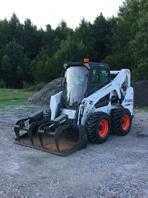 Bobcat S650 for Sale in Virginia Beach, VA