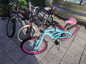 4 Girls bikes for Sale in North Lauderdale, FL