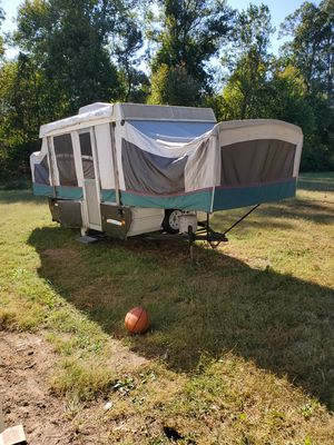 MOVING CAN'T TAKE, COLEMAN POPUP CAMPER FLEETWOOD 1994 for Sale in AMELIA CT HSE, VA