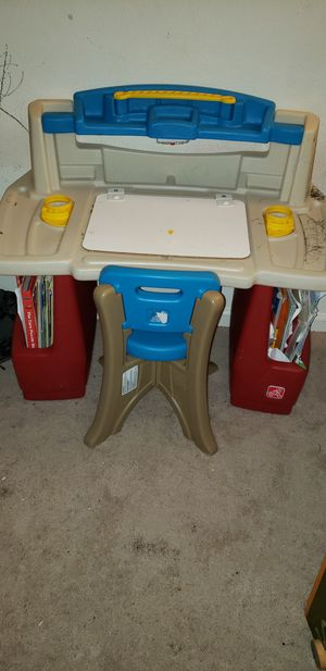 Kids desk for Sale in Springfield, VA