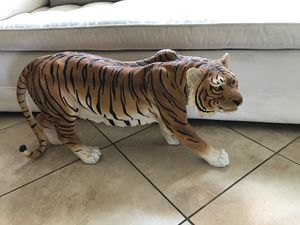 Limited Edition Tiger statue for Sale in Westminster, CA
