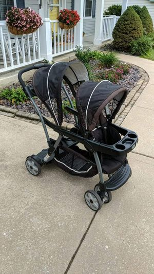 Graco Double stroller for Sale in Saint Charles, MO