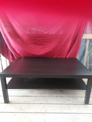 Black coffee table with shelf. for Sale in Des Moines, IA