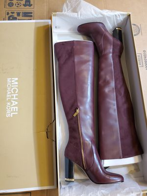 Michael kors sabrina boot zise 8.5 for Sale in Las Vegas, NV