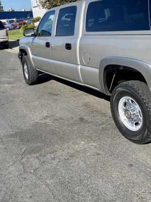 Chevy 2500 Silverado 4x4 GAS 6.0 for Sale in Modesto, CA