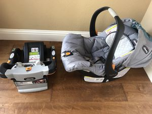 Chicco key fit 30 infant car seat and base in great condition. This is a high rated car seat one of the best available. for Sale in Orangevale, CA
