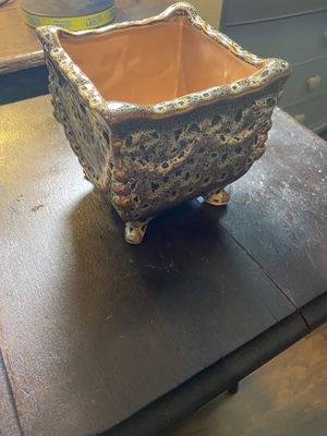 Brown Planter Pot for Sale in Simpsonville, SC