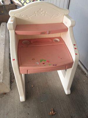 Kids vanity desk for Sale in Staten Island, NY