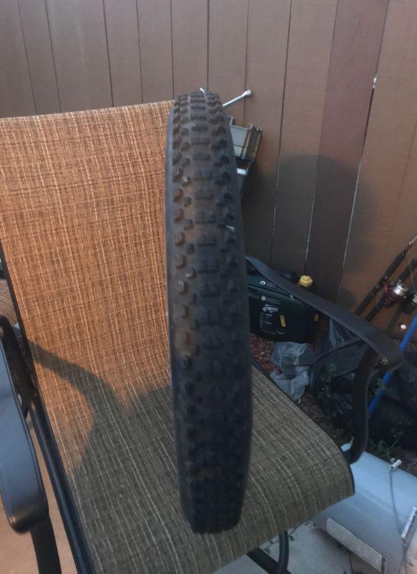 KENDA Nevegal downhill tires w/ inner tube for mountain bike