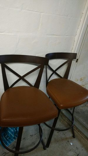 2 bar stools that swivel 40 both nice clean no rips for Sale in Pittsburgh, PA