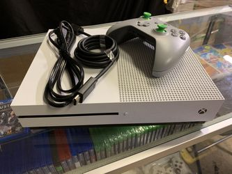 XBOX ONE S (500gb) Bundle w/Mass Effect *I Accept Games And Consoles For Trade In Credit* for Sale in Moreno Valley, CA