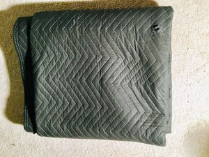 SEVEN (7) Quilted Moving Blankets for Sale in Mountville, PA