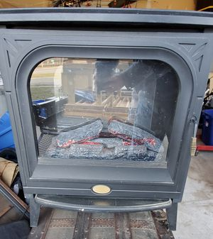 Electric Fire Place Heater for Sale in Millington, MD