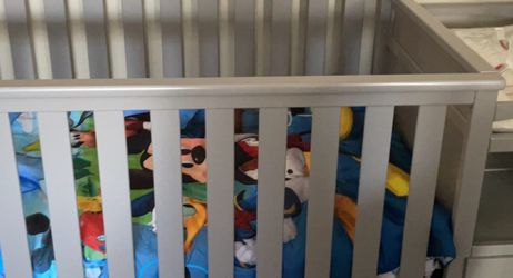 Graco Crib/changing Table for Sale in Tacoma,  WA