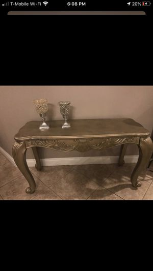 Beautiful conceal table $30 for Sale in Corona, CA