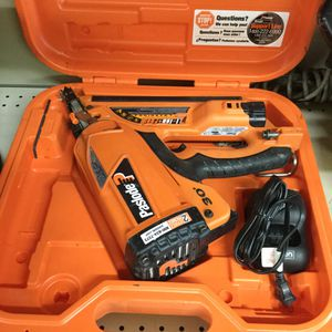 Paslode XP30 Cordless Nail Gun in Case for Sale in Ontario, CA