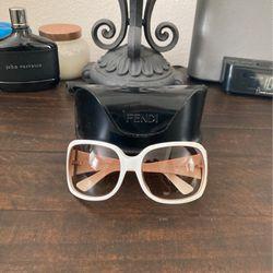 Fendi Sunglasses for Sale in Newport Beach,  CA