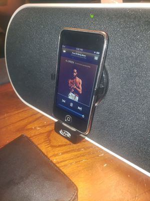 16gb ipod with charging dock speakers bluetooth for Sale in Citrus Heights, CA