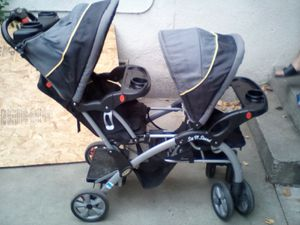 Perfect condition double stroller with stand up for Sale in El Monte, CA