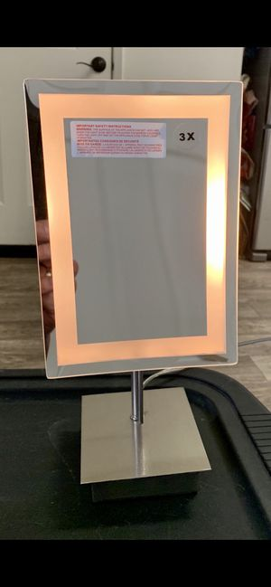 Light up mirror for Sale in Stevenson Ranch, CA