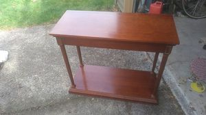 Bombay company tv/plant stand for Sale in Portland, OR