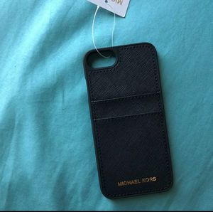 Michael kor iPhone 7/8 snapon case for Sale in Fresno, CA