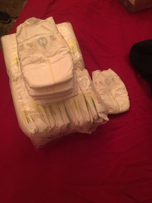 Pampers newborn 52 count for Sale in Dallas, TX