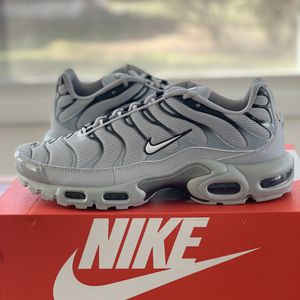 Nike Air Max Plus Wolf Grey Size 10 Brand New With Box for Sale in Lawnside, NJ