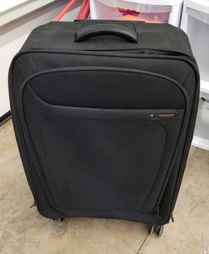 Samsonite large all around wheel luggage for Sale in Cheney, WA