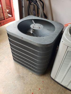 Goodman 2 ton heat pump for Sale in Greer, SC