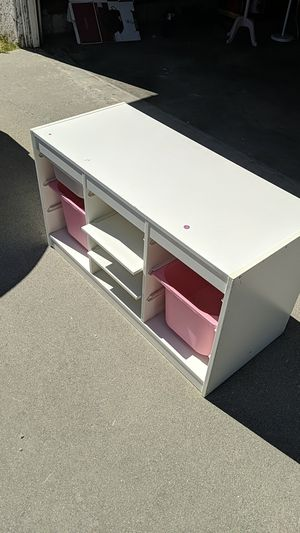 Toy chest, desk for Sale in Pasadena, CA