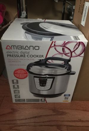 Electric pressure cooker for Sale in Chicago, IL