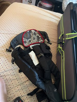 Infantion baby carrier for Sale in Houston, TX