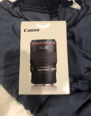 Canon EF 100mm f/2.8L IS USM Macro Lens for Canon Digital SLR Cameras for Sale in Los Angeles, CA