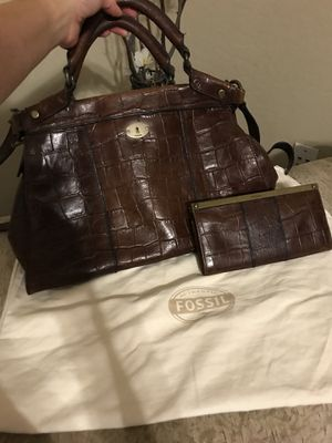 Fossil Leather Large Purse & Wallet for Sale in Laveen Village, AZ