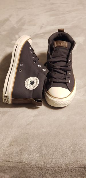 Aunthentic All Star Converse, Low Top. for Sale in Scranton, PA