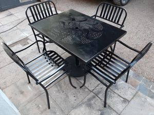 4 Iron Chairs & Heavy Iron Table [Read Description] for Sale in Phoenix, AZ