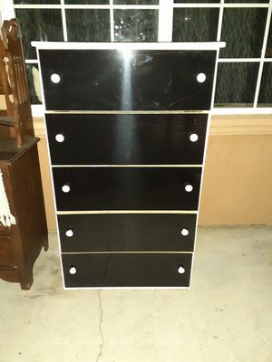 Tall Dresser/ drawer for Sale in Riverside, CA