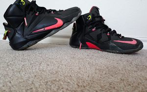 nike's lebron james size 10 for Sale in Fort Worth, TX