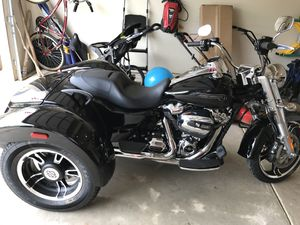 Harley Davidson Motorcycle (Tri) for Sale in Stone Mountain, GA