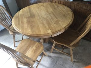 Oak dining room / kitchen table for Sale in Orland Park, IL