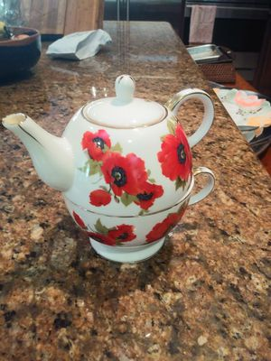 Chinese Grace Individual Covered Teapot On Large Tea Cup for Sale in Sarasota, FL