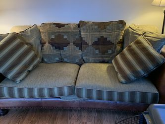 Couch for Sale in East Wenatchee,  WA