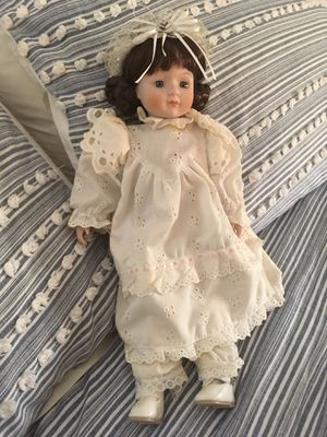 Poreclain doll for Sale in Staten Island, NY