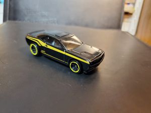 2008 Dodge Challenger SRT8 Hot Wheels Basic Loose hemi racing Malaysia for Sale in Dallas, TX