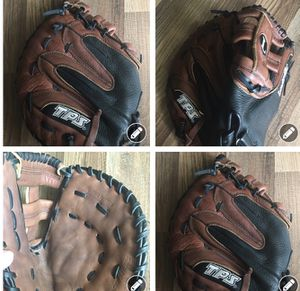 Louisville TPS BASEBALL GLOVE (L) for Sale in Fort Worth, TX
