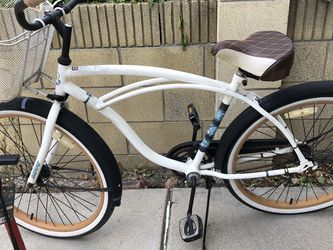 "26"" Huffy Good Vibrations Bike,White for Sale in Rowland Heights,  CA"